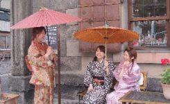 女子3人着物で小樽